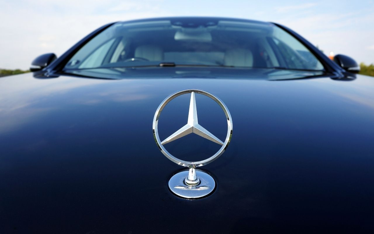 Mercedes Benz Marketing Plan and Objectives